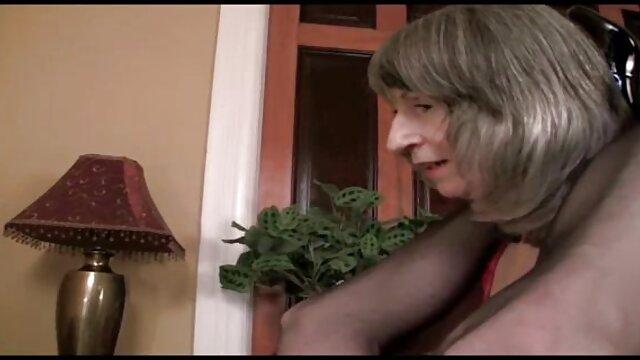 Molly film x lesbienne gratuit Bennett