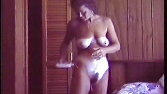 Nicolette film de lesbienne x
