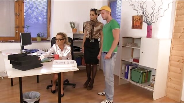 Franceska Gollardo film porno gratuit lesbienne