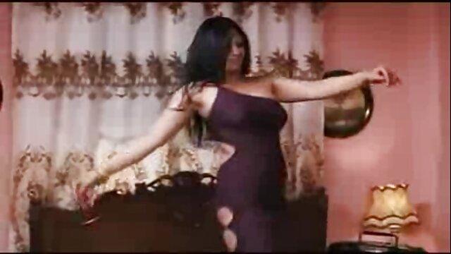 Monica film x lesbienne gratuit