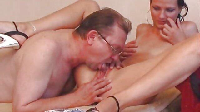 Jordan film porno lesbien Capri