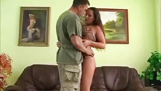 Une adolescente du cartel film porno amateur lesbienne de la drogue espagnole baise au lit avec son garde du corps