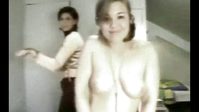 Dominika et le paradis filme x lesbienne se caressent au lit
