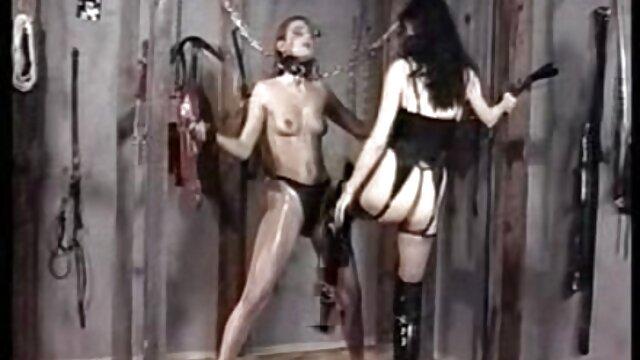 Saya film porno de lesbiene